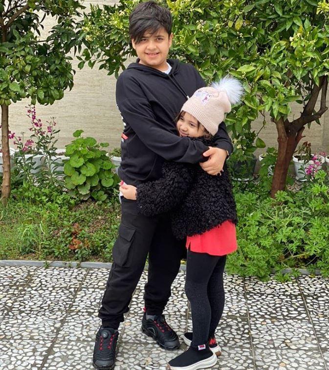 هانی نوروزی و خواهرش