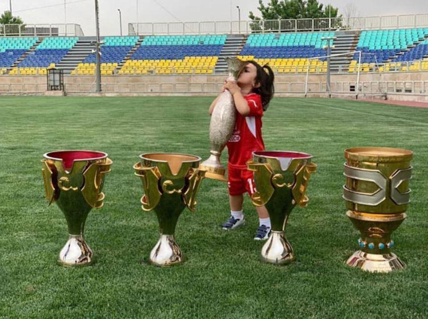 حسین ماهینی روز دختر را به دخترش تبریک گفت